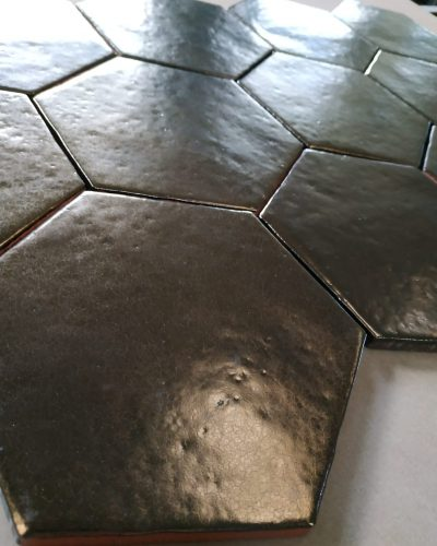 ac_02_bronze_hexagonal